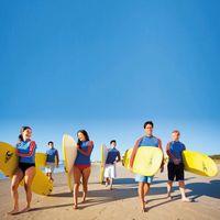 Novotel Twin Waters Resort  Learn to Surf, Cheyne Horan | Marochydore SSC | Amber Toms